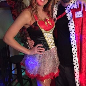 Halloween queen of hearts costume
